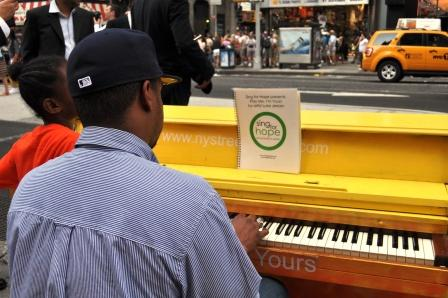 Play Me, I'm Yours in New York City