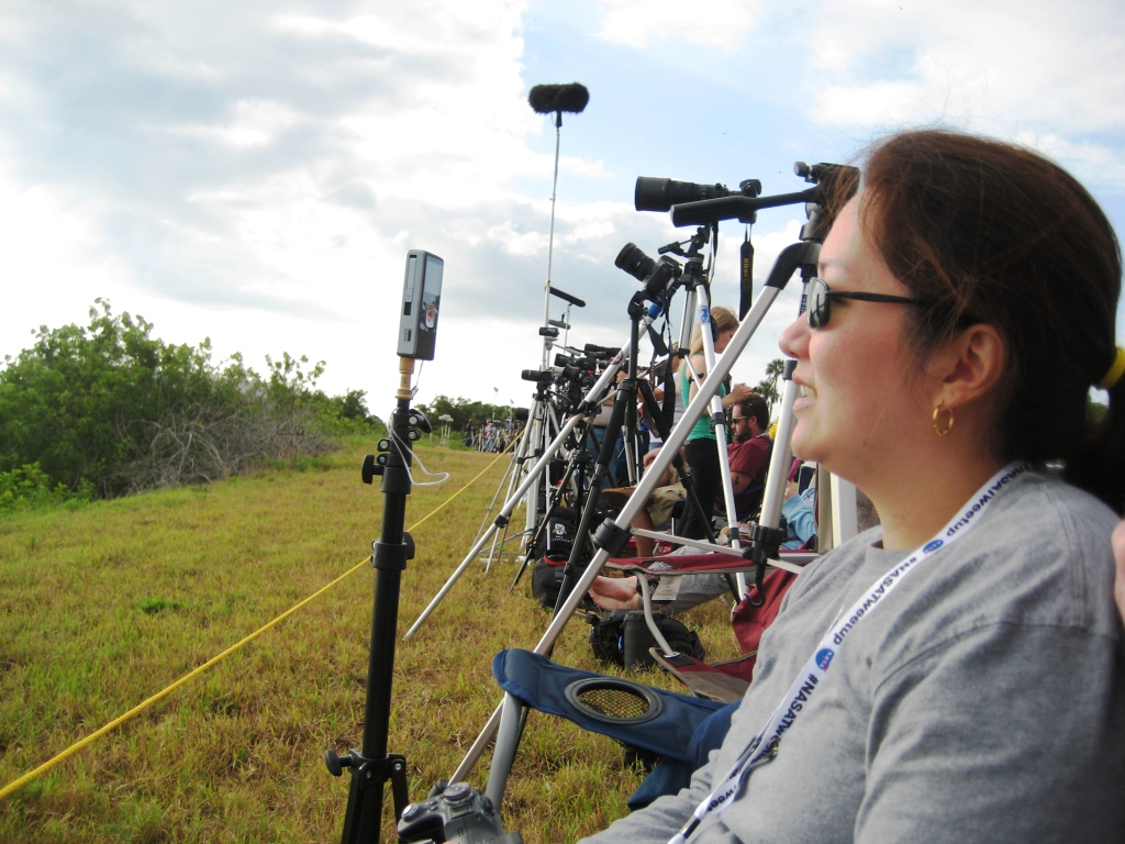 Linda Sets Her Sights on Endeavour, Kennedy Space Center Press Site, May 16, 2011