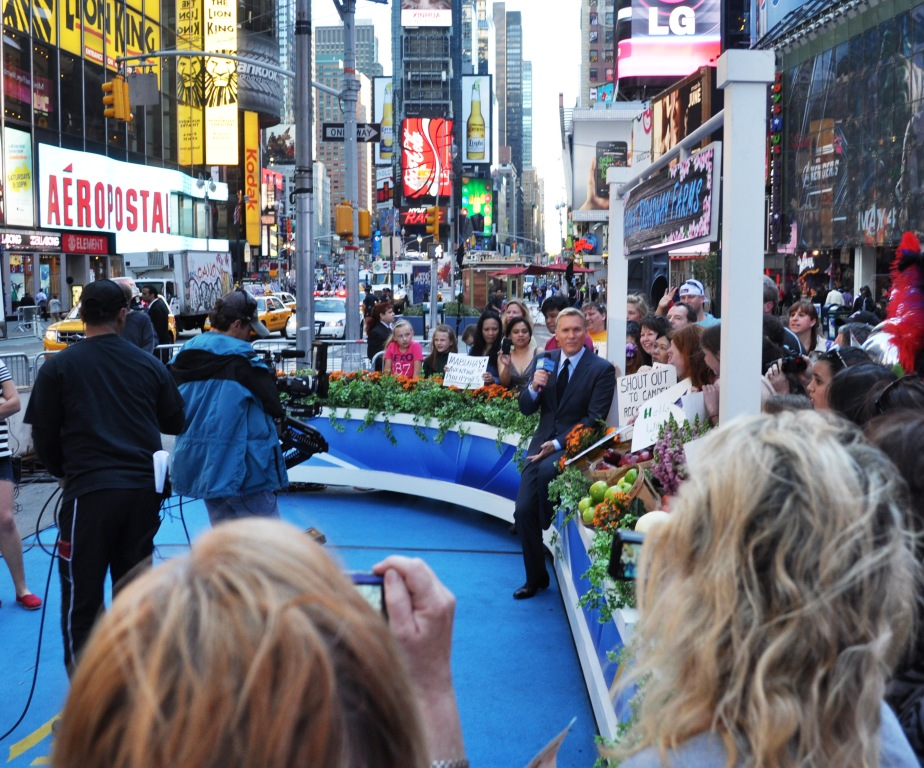 Good Morning America's Sam Champion Chats with the Audience, April 17, 2012