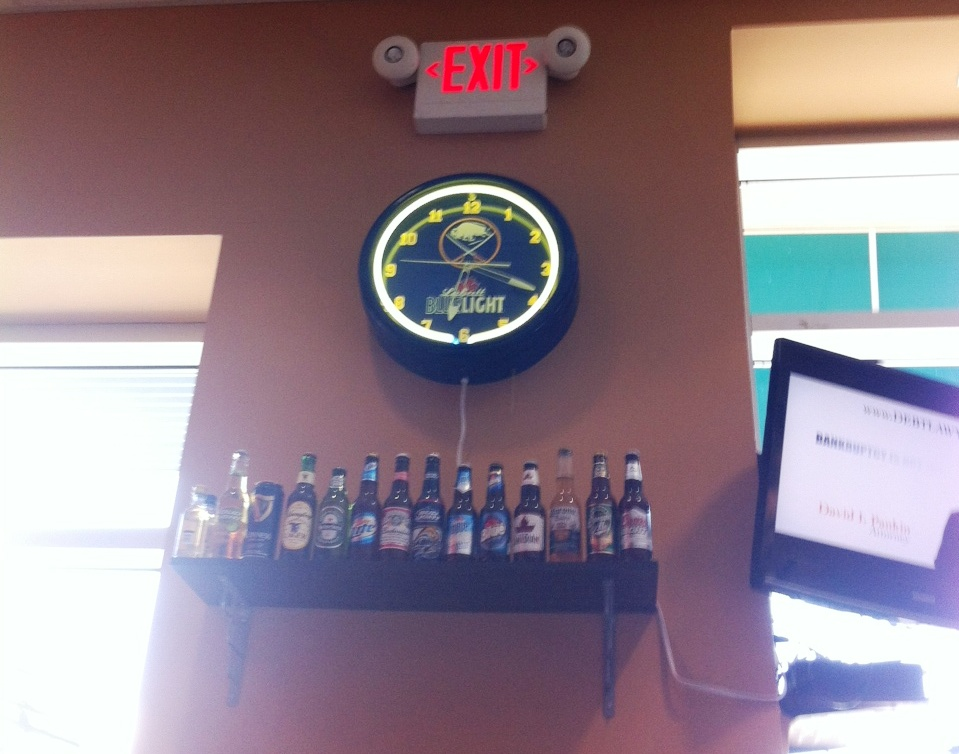 Buffalo Accents Are Here and There at Casa-Di-Pizza in Sarasota, Florida.