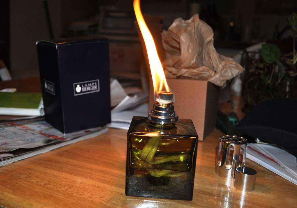 Let the Flame Burn for 2 Minutes on Your Lampe Berger