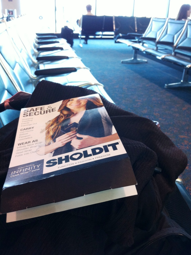 Women's Travel Gear Review: SHOLDIT Clutch Wrap Purse