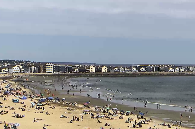Hampton Beach Village District in New Hampshire Beach Cam.