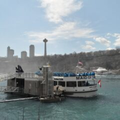 Video: Solo Travel Girl Takes the Maid of the Mist Boat Tour
