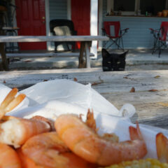 Where to Eat in Cape San Blas: Skully's Low Country Boil